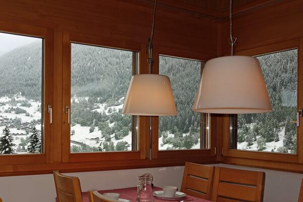 Küche mit Sicht auf Ernen