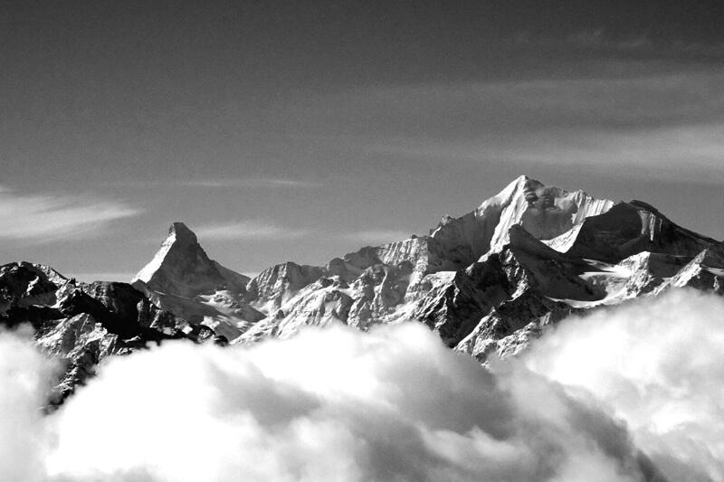 Aletsch Arena met zicht op Matterhorn BW comp